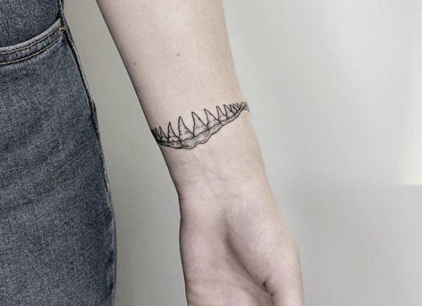 tattoo pols haai