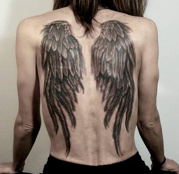 tattoo rug vleugels vrouw