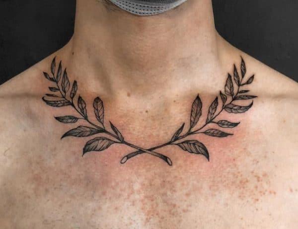 tattoo sleutelbeen man