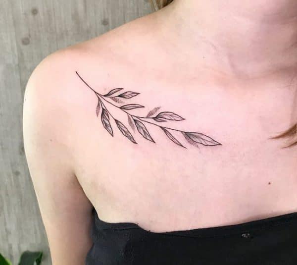 tattoo sleutelbeen vrouw