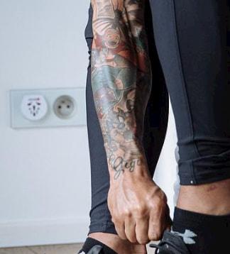 memphis depay tattoo aang