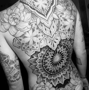 Tattoo rug mandala
