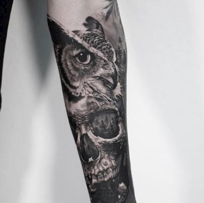 tattoo uil onderarm