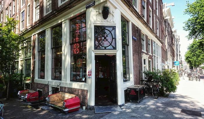tattoo-shop-amsterdam-walls-and-skin
