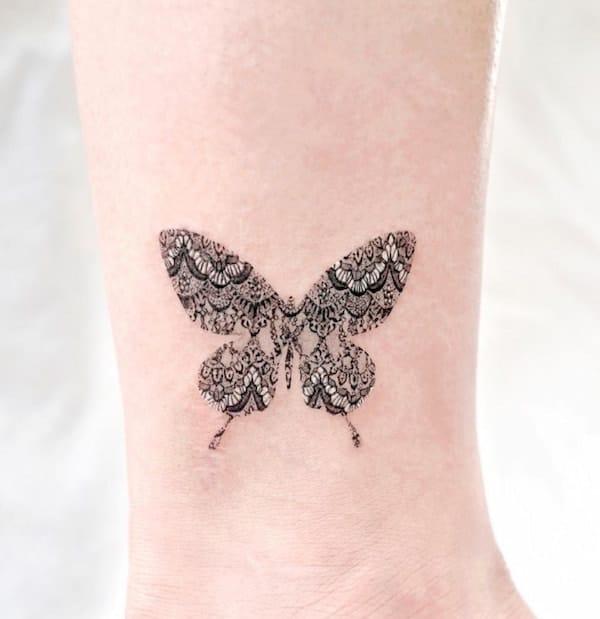 tattoo vlinder pols