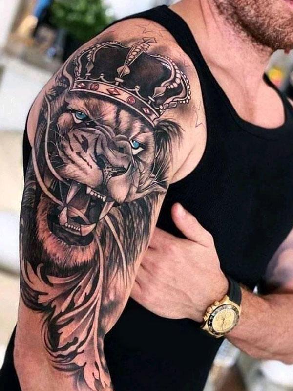 Tattoo-leeuw-met-kroon